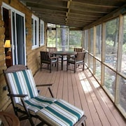 Loon Lodge on Pattee's Pond - Kayaks & Fireplace - 2019 Dates Available