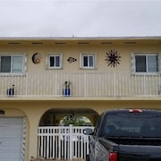 Beautiful Keys Getaway! Located on Deep Water Canal for Quick Access to