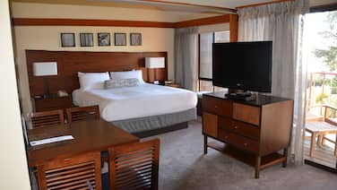 Indulge yourself in a spectaclar 2 bedroom unit at the Hyatt Highlands Inn.