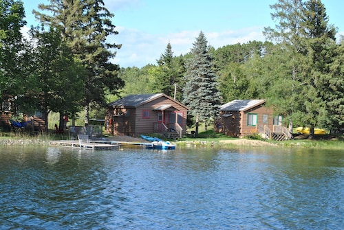 2 BR Cabin at Walters Resort-a Lakefront Getaway! Pets Accepted Spring/fall