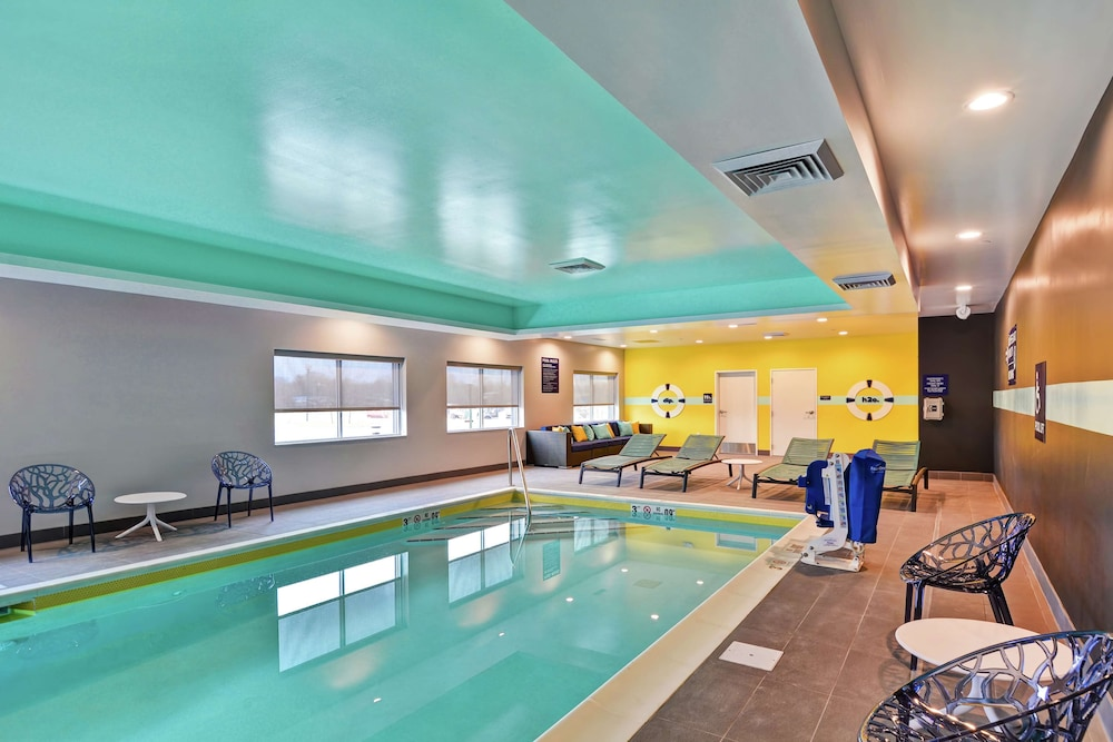 Pool, Tru by Hilton Shepherdsville Louisville South