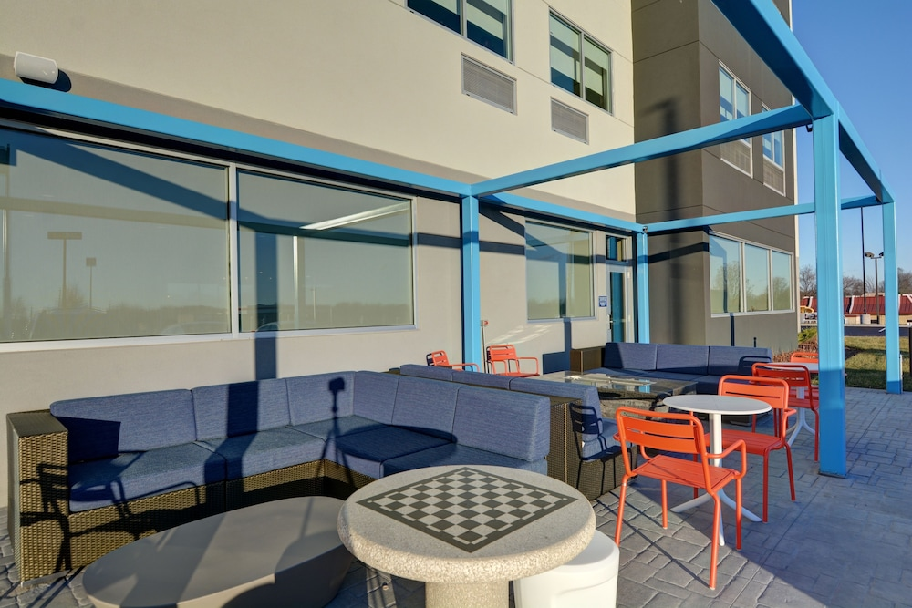 Terrace/Patio, Tru by Hilton Shepherdsville Louisville South