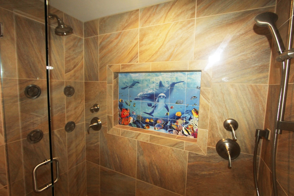 Bathroom, Valley Isle Resort #402 Oceanfront!