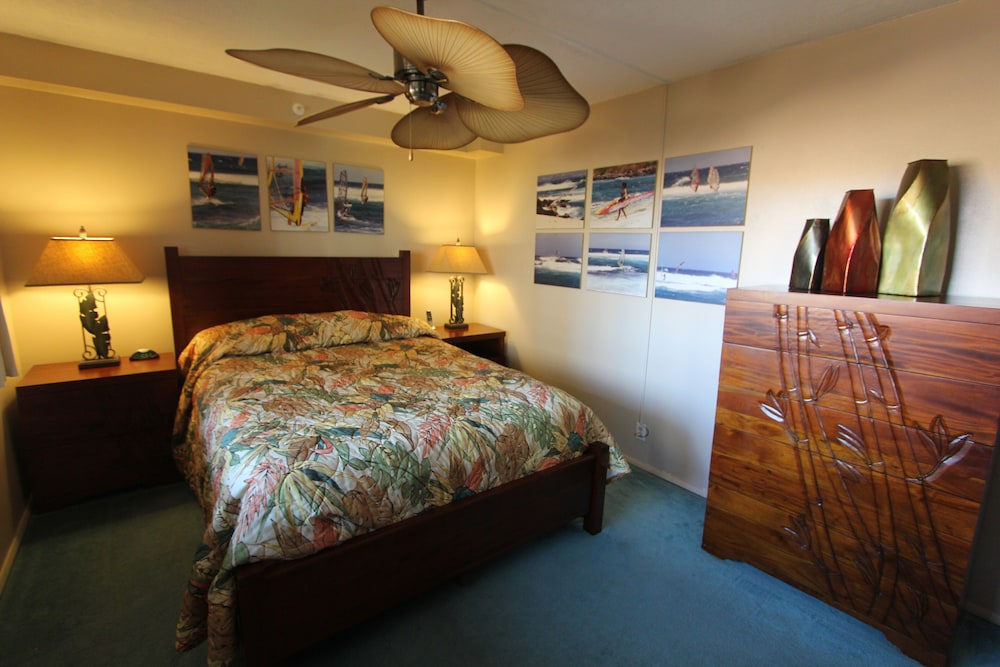Room, Valley Isle Resort #402 Oceanfront!
