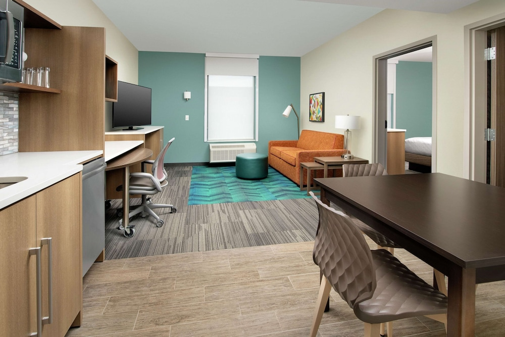 Room, Home2 Suites by Hilton Edison, NJ