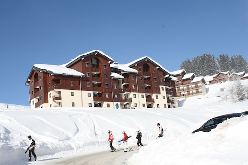 Apartment Sleeps 8 at the Foot of the Slopes