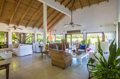Five Bedroom Villa With Large Pool, Panoramic South West View