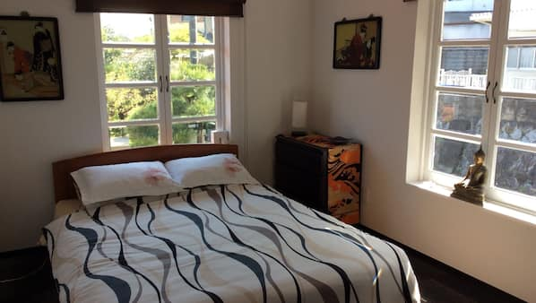 Blackout drapes, iron/ironing board, free WiFi, linens