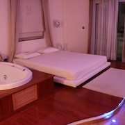 Central Luxury Apartment With Jacuzzi - Nafpaktos