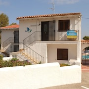 Moraira,clean,legal,all mod Cons,1 Bed Apt Uktv Wifi,pool,sea View,beach 200 mts