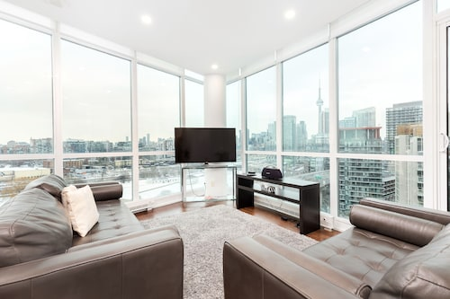 Penthouse with CN Tower view