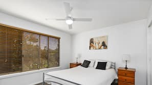 3 bedrooms, iron/ironing board, free cots/infant beds, free WiFi