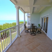 3 Bedroom 2 Bath Ocean View Condo With Full Kitchen, Covered Parking