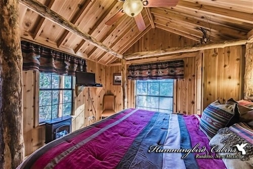 Hideout Cabin: 'perfect Couples Hideout' With hot tub