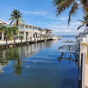 Ocean Side Canal Half Duplex, 37' Dock, 600' To Channel