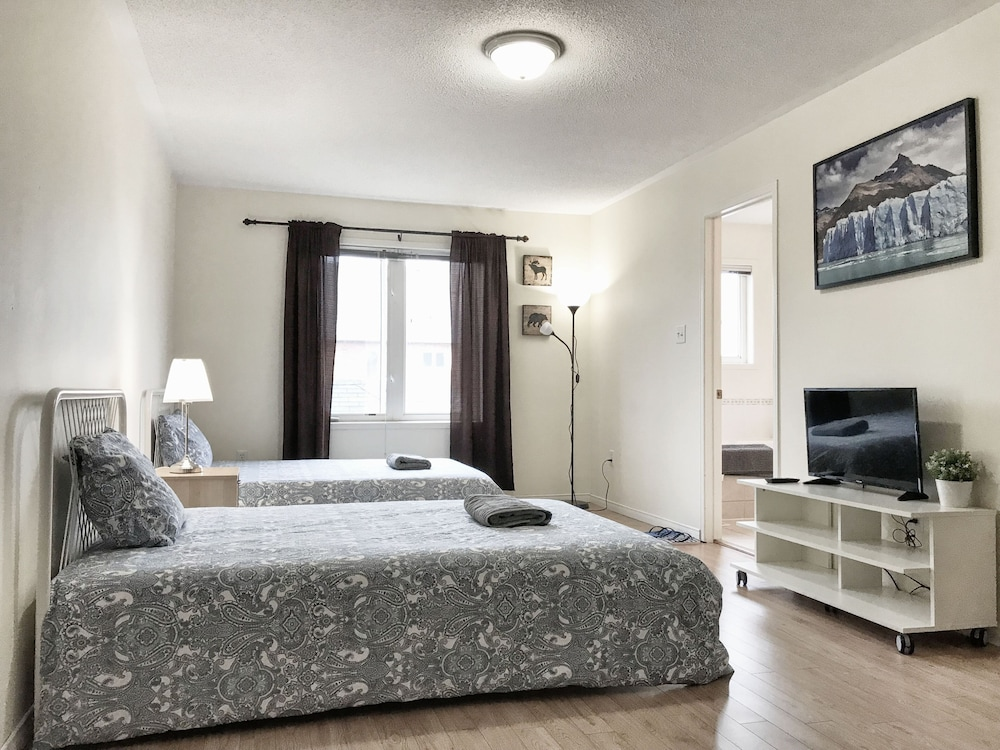 Master Bedroom With Ensuite Bathroom & Parking at Yorku ...