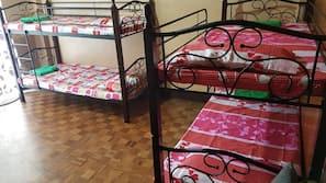 2 bedrooms, desk, free WiFi, linens