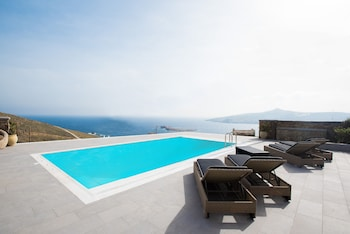 Mykonos Charming Sea View Villa