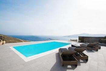 Mykonos Charming Sea View Villa
