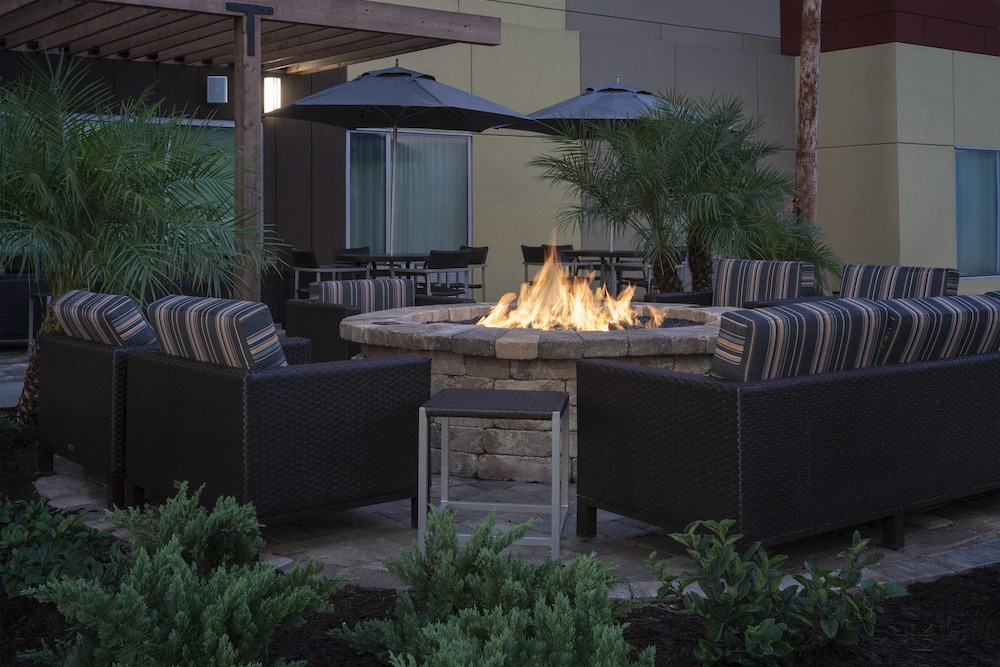 Terrace/Patio, TownePlace Suites by Marriott Titusville Kennedy Space Center