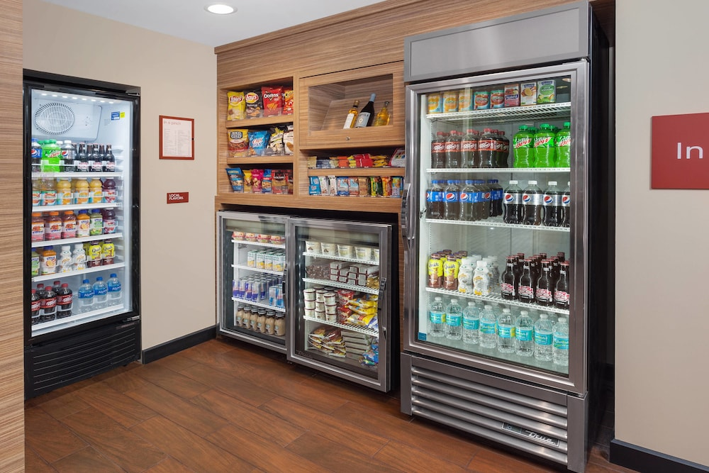 Snack Bar, TownePlace Suites by Marriott Titusville Kennedy Space Center