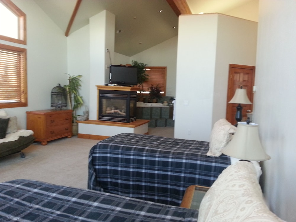 House 2 Kitchens 12 Person Spa Views Small Weddings Honeymoon Suite In Salt Lake City Hotel Rates Reviews On Orbitz