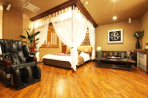 GRAND CARIBBEAN RESORT HOTEL - Adult Only