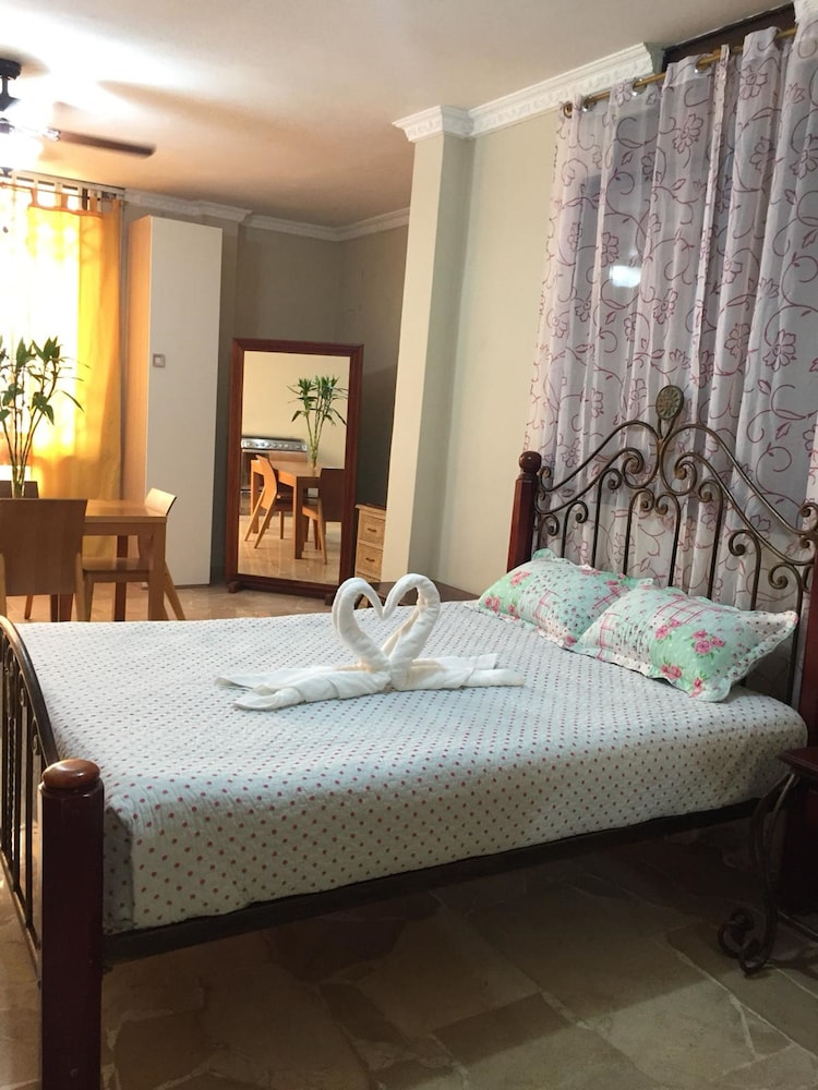 Suite La Terrazza, Guayaquil: 2018 Reviews & Hotel Booking | Expedia ...