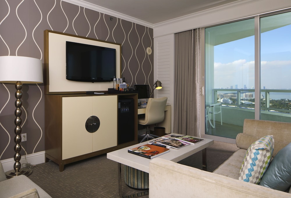 Room, Private Residences at Tresor Tower