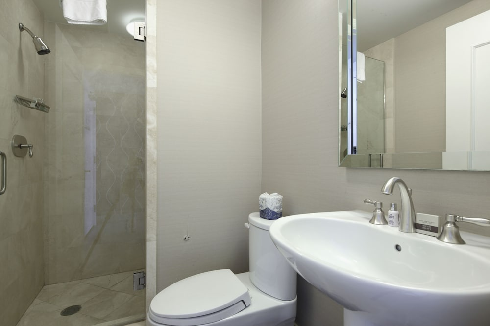 Bathroom, Private Residences at Tresor Tower