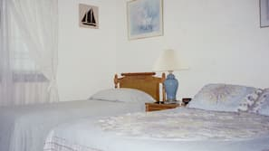 2 bedrooms, iron/ironing board, WiFi, linens