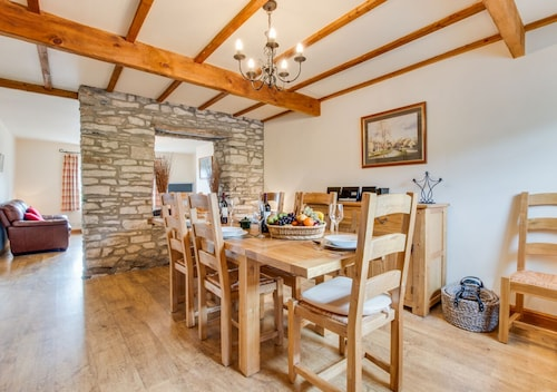 Myrtle Cottage - Three Bedroom House, Sleeps 6
