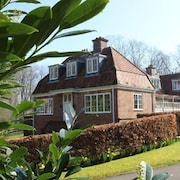 An Idyllic, Family- Friendly Cottage On A Private Estate In Burley