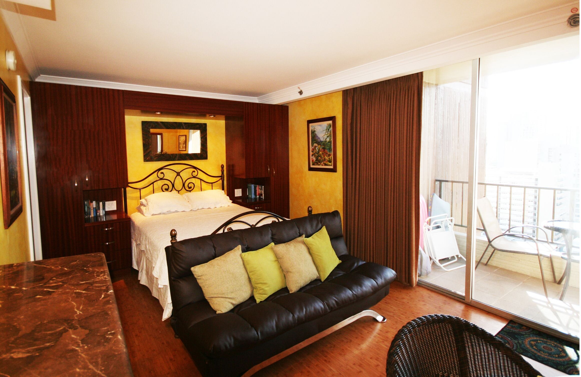 Waikiki Studio Suite At The Wyndham Royal Garden In Honolulu Hi Expedia