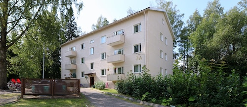 Two Bedroom Apartment in Peaceful Block