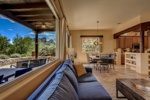 Beautiful Tucson Casa