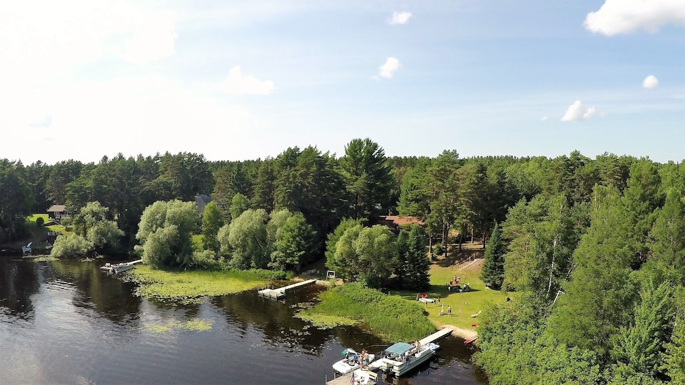 Property Grounds, Cozy Cottage on Grand Portage Lake, Right on ATV and Snowmobile Trail!