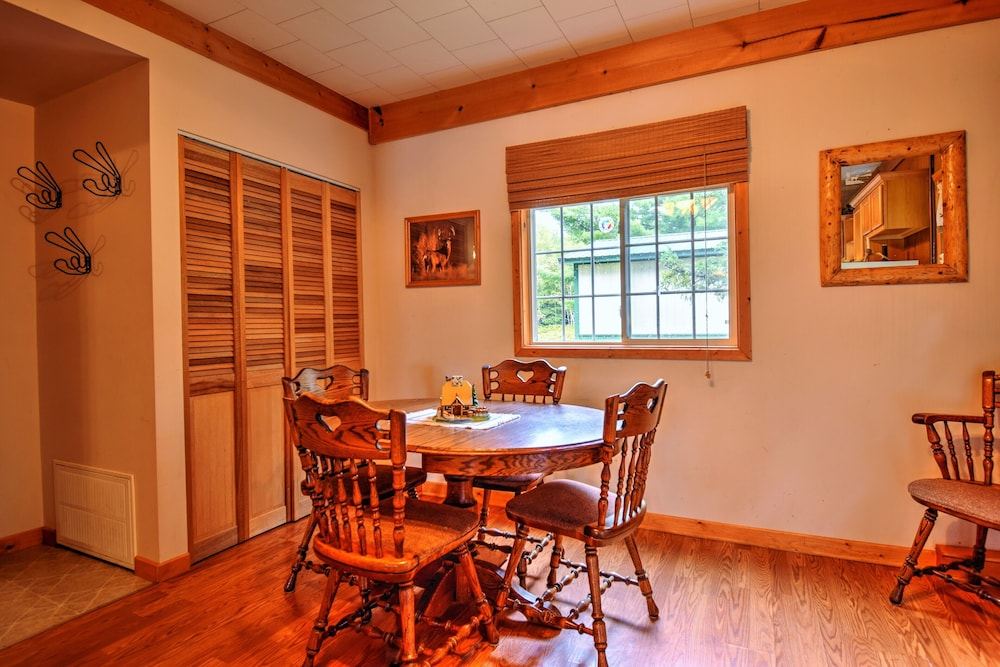 Private Kitchen, Cozy Cottage on Grand Portage Lake, Right on ATV and Snowmobile Trail!