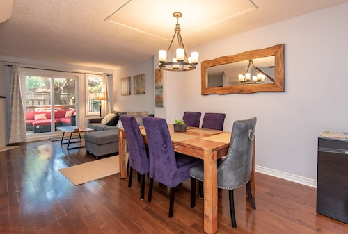 Beautiful 4 Bedroom, 3 Bath Near Byward Market