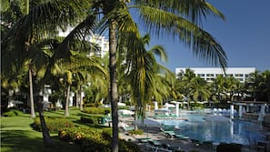 8 indoor pools, 15 outdoor pools