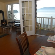 Waterfront Studio on Chuckanut Drive - Private & Modern