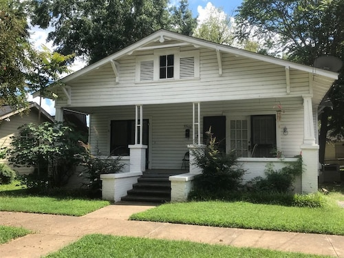 Check Expedia for Availability of Downtown Tuscaloosa Duplex Within Walking Distance of Campus and Bryant Denny