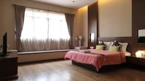 4 ห้องนอน, ผ้านวมขนเป็ด, เตียง Select Comfort, เตารีด/โต๊ะรีดผ้า