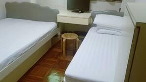 窗簾、熨斗/熨衫板、免費 Wi-Fi、床單