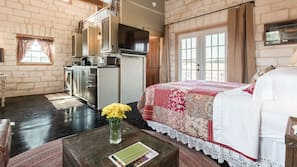 1 bedroom, individually decorated, individually furnished