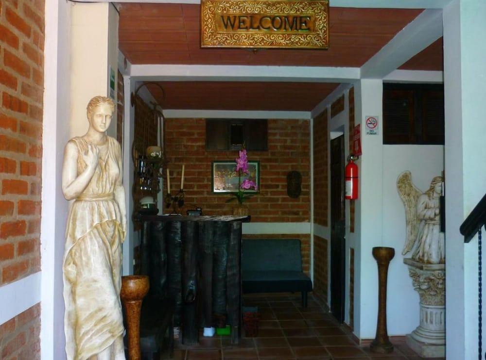 Hotel Terraza Santo Domingo In Concepcion De Ataco Cheap