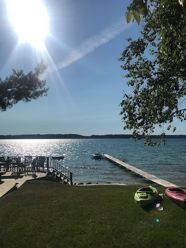 Beautiful Torch Lake Cottage-open Aug. 25-29!!