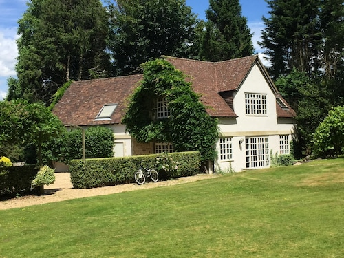 Beautiful South Downs Cottage W/private Gate Opening Directly Onto the Downs
