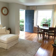 Beautiful Clean Garden Cottage in Highly Desired Tree Streets of Laguna Beach
