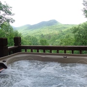 Weekday Specials-beautiful Mtn Views Amid Wine Country-steamy Hot Tub